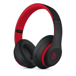 Beats Studio3 trådløse lukkede hodetelefoner – The Beats Decade Collection – uredd svart-rød