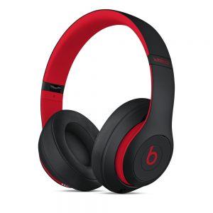 Beats Studio3 trådløse lukkede hodetelefoner – The Beats Decade Collection – uredd svart-rød